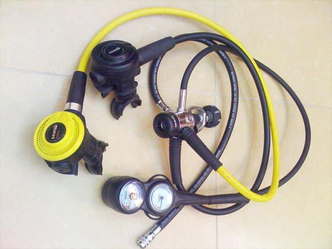 manutenção do equipamento de mergulho